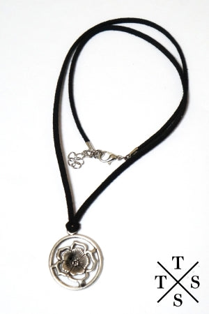 XTS Circle Flower Necklace - YOU ARE MY POISON