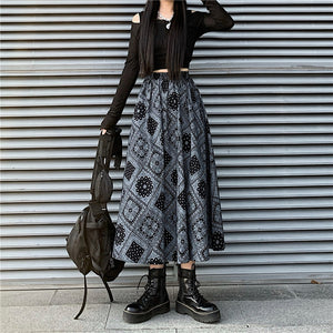Paisley Bandana Long Skirt (Black)