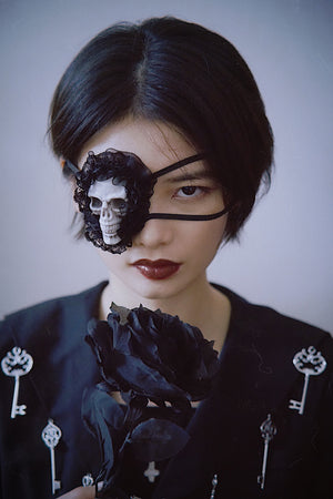 Skull Frill Eye Patch (Black)
