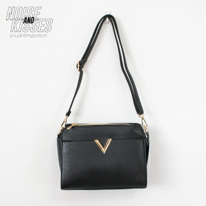 V Point Shoulder Bag (Black)