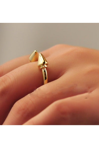 Spike Arrow Ring (Silver)