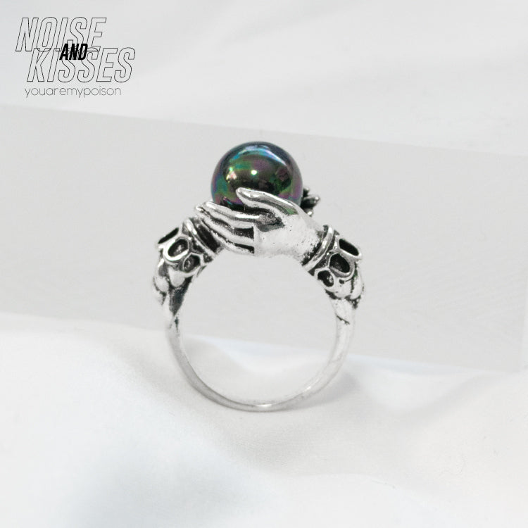 Stone In Hands Ring (Black)