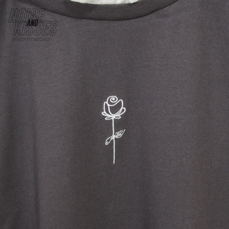 Lace Neck Flower Printed T-shirt (Charcoal)