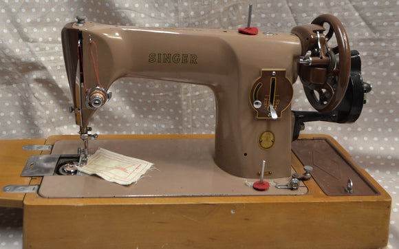 SINGER 201k Hand Cranked Sewing Machine.