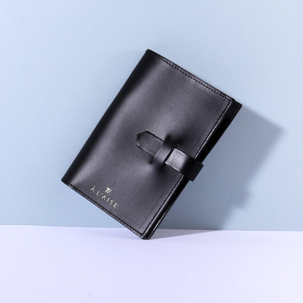 leather passport case  beautifully made in the UK