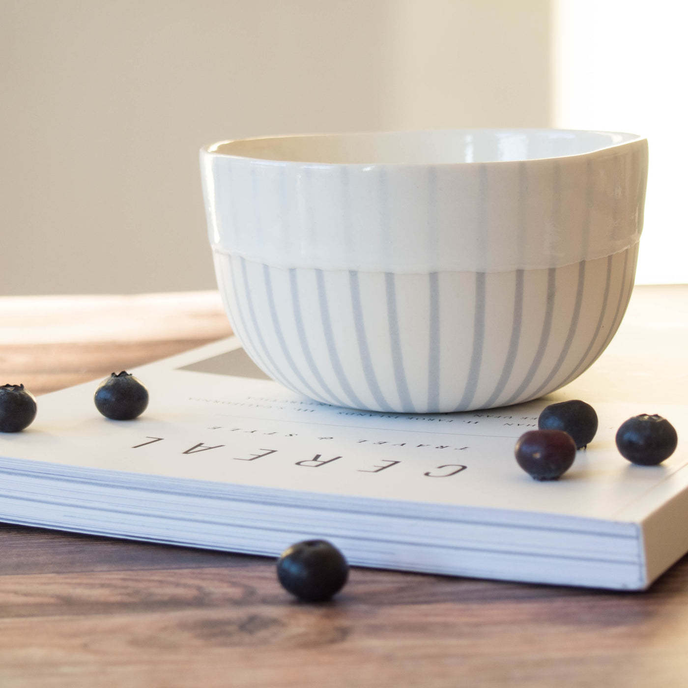 Porcelain white bowl with Dove grey contours