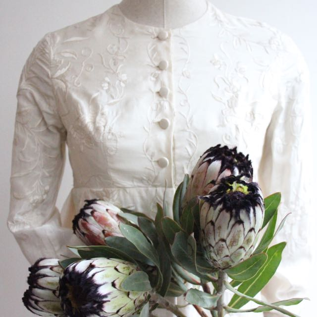 Piece of The Week- Annas' Piano Shawl Wedding Dress
