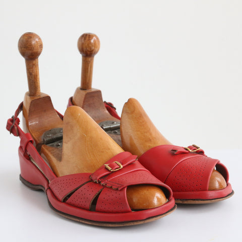 """Dutch Red"" Vintage 1940's Dutch Red Coloured Summer Sandals UK 4 EU 37 US 6"