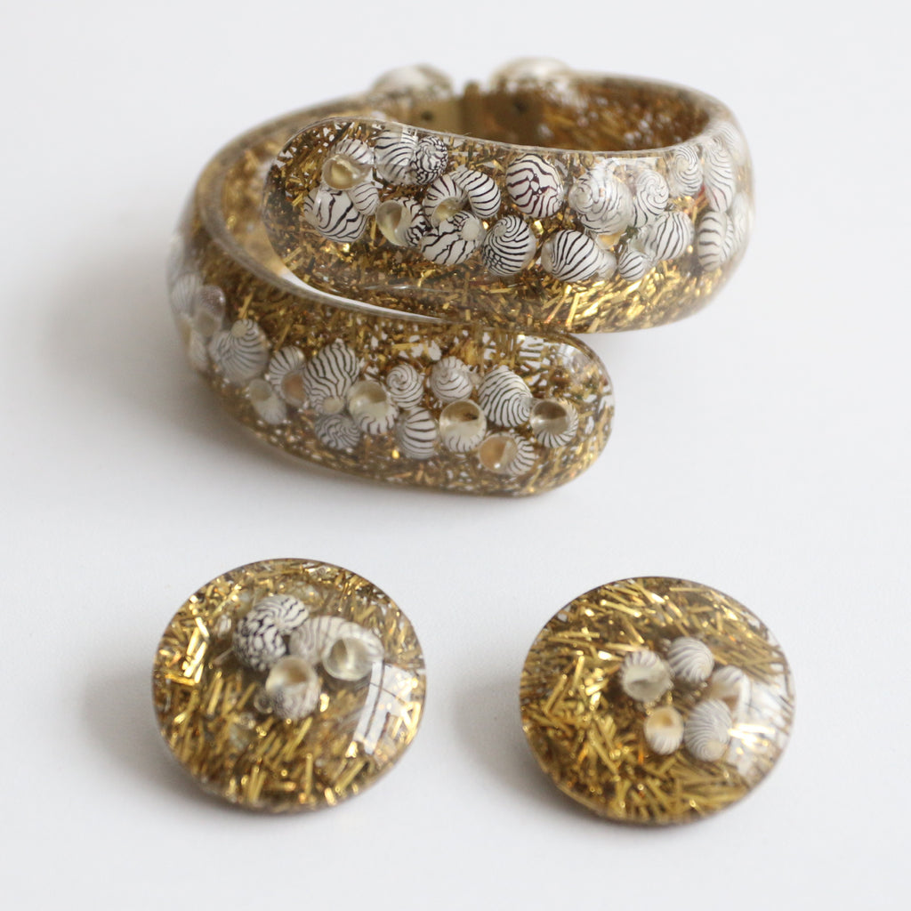 """Seashells & Sparkle"" Vintage 1950's Gold Glitter & Seashell inlay Clamper Bangle & Earring Set"