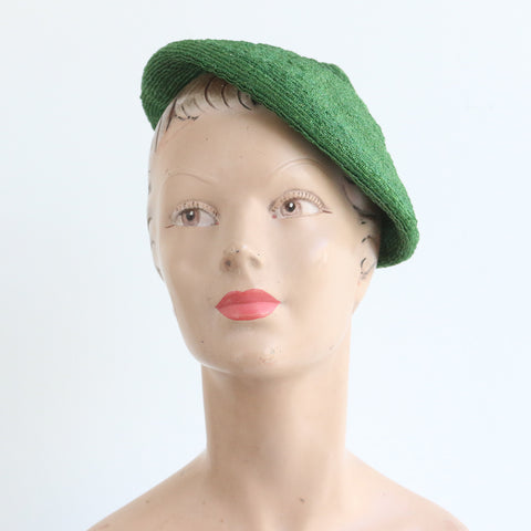 """Racing Green Beret"" Vintage 1940's Green Straw Pointed Beret Hat"
