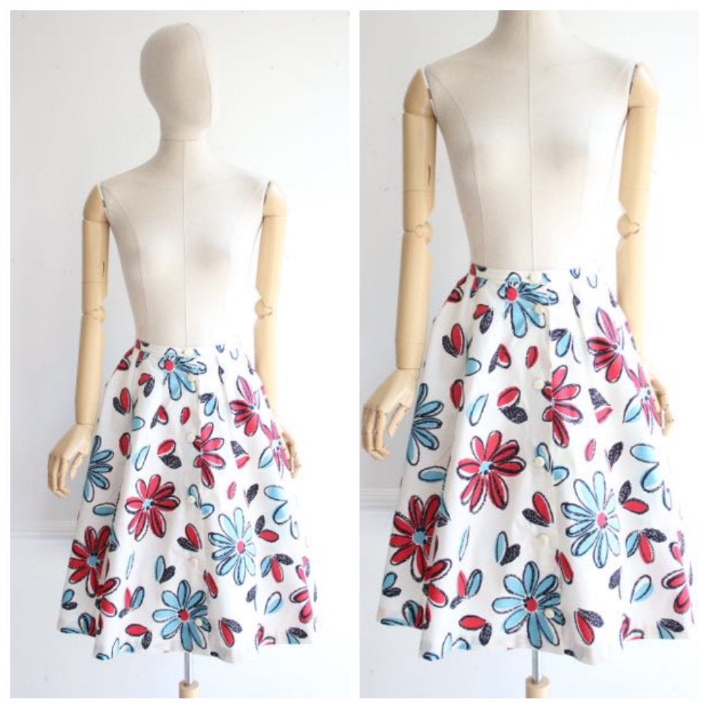 Vintage 1950's Skirt 1950's floral skirt 1950's novelty print skirt 1950's revival 1950's swing skirt 1950's flower print skirt 50's UK 8