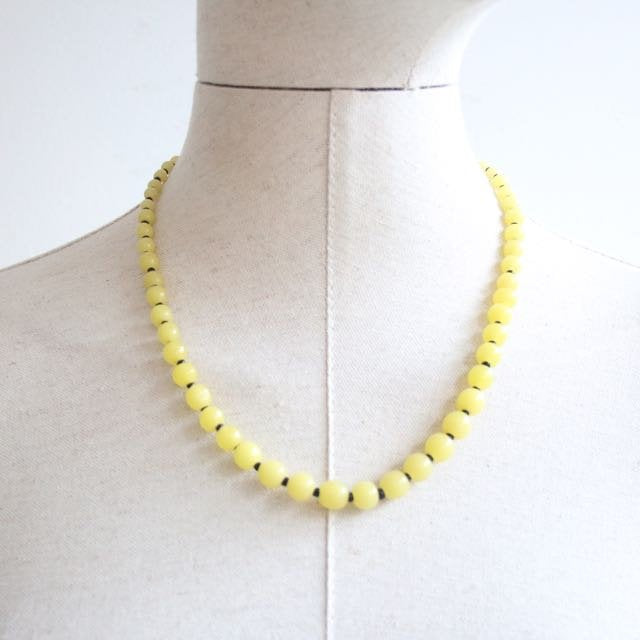 Vintage 1940's necklace 1940's glass bead necklace 1940's yellow bead necklace forties glass jewellery 1940's yellow glass jewellery 40's