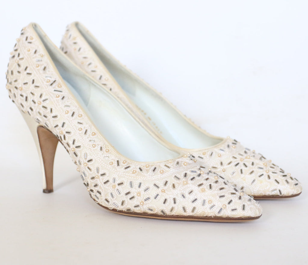 Vintage 1950's Neiman Marcus shoes vintage neiman marcus vintage hand beaded shoes original 1950's couture embellished cream shoes UK 5