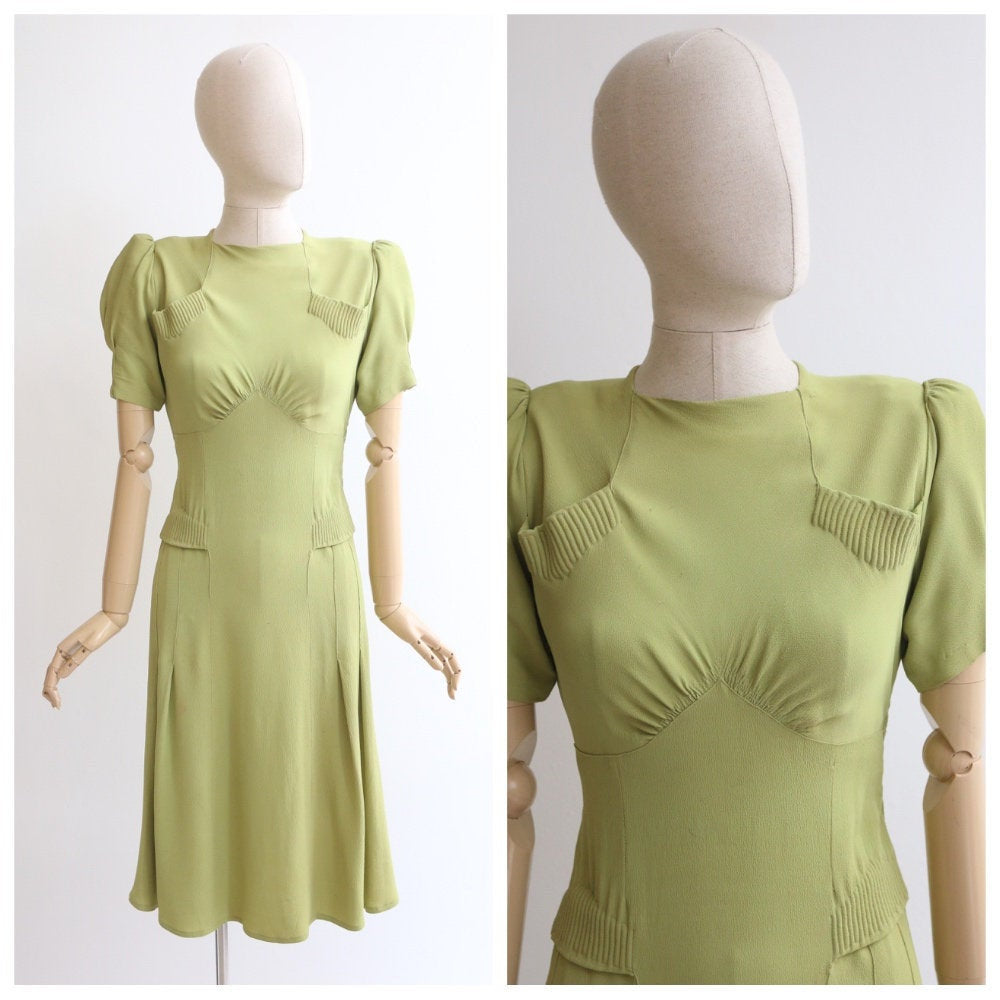 Vintage 1940's dress vintage 1940's green dress 1940s crepe silk dress 1940s pistachio silk dress forties fashion 1940s crepe rare UK 8