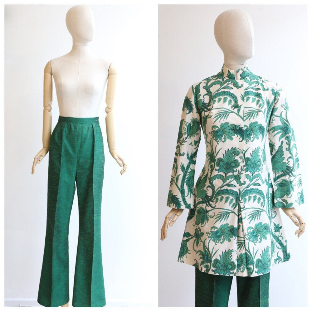 Vintage 1960's trouser suit vintage 1960's tunic and trousers 1960's high waisted trousers original 1960s trouser suit paisley silk UK 10