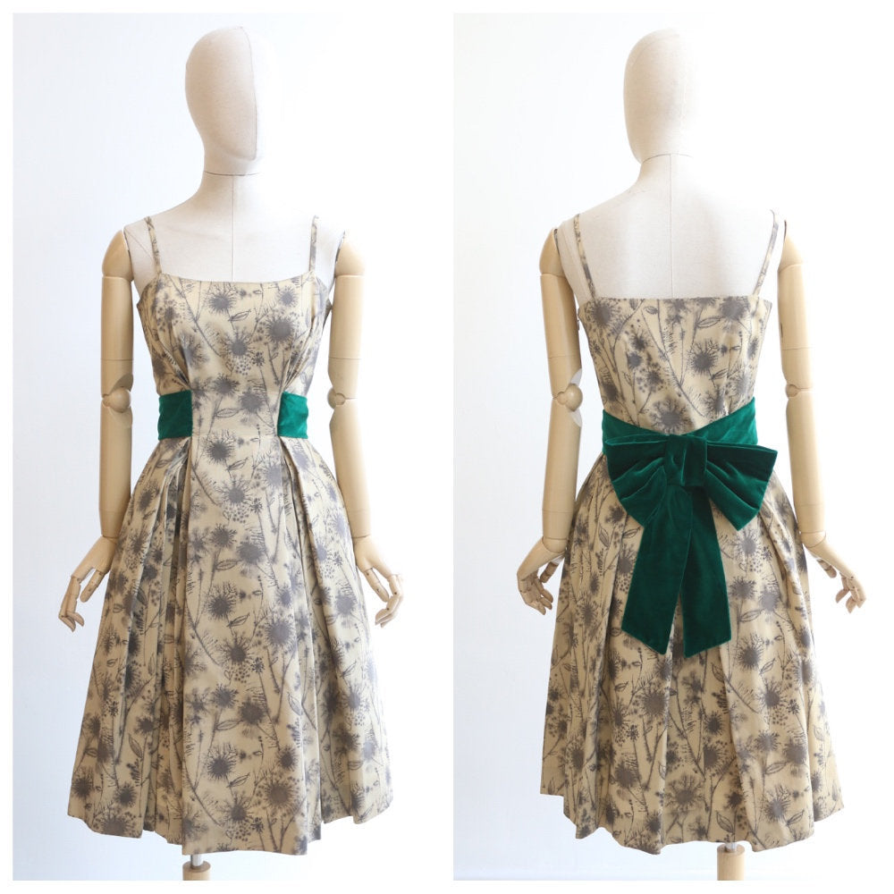 Vintage 1950's dress vintage 1950's dandelion print dress original 1950s floral print dress fifties green velvet dress fit and flare UK 8-10