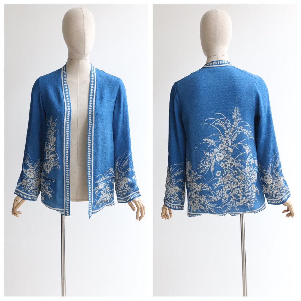 Vintage 1930's silk jacket vintage 1930's silk chinoiserie jacker original 1930s blue and white silk kimono jacket Japanese jacket UK 8-10