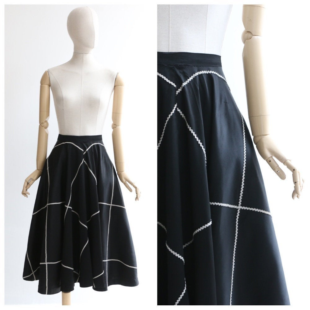 Vintage 1950's skirt vintage 1950's full circle skirt original 1950's black rayon silk original 1950 black white monochrome circle skirt 10