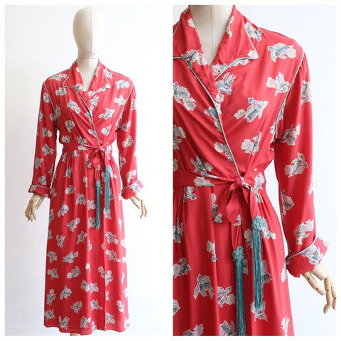 Vintage 1940's housecoat original 1940's coral pink novelty print house coat forties fashion 1940s novelty print house print robe UK 10