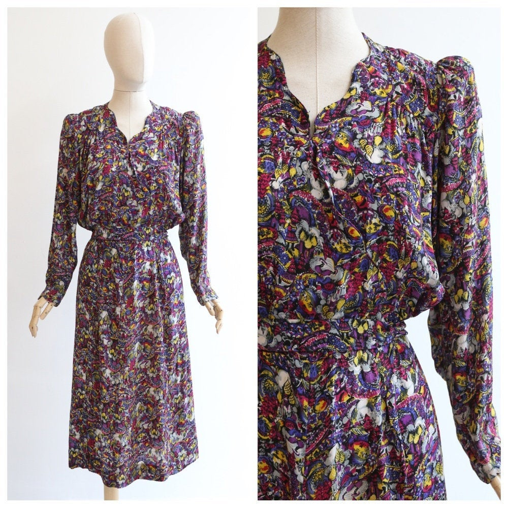 Vintage 1940's dress 1940's silk dress original 1940's silk novelty print dress forties silk novelty pattern dress 1940s Moscow dress UK 16