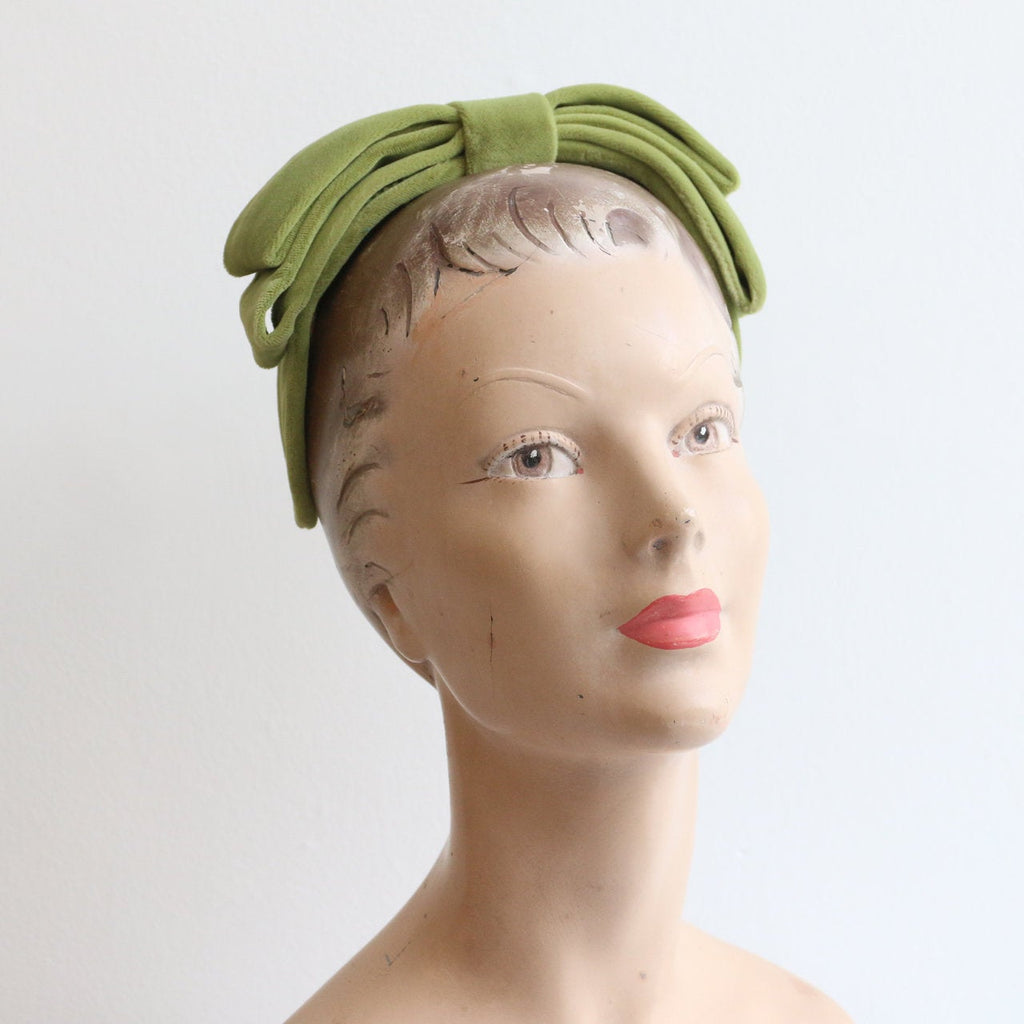 Vintage 1940's hat vintage 1940's green velvet bandeau hat 1940's jacoll green velvet bow bandeau hat wired percher hat 1940s velvet hat