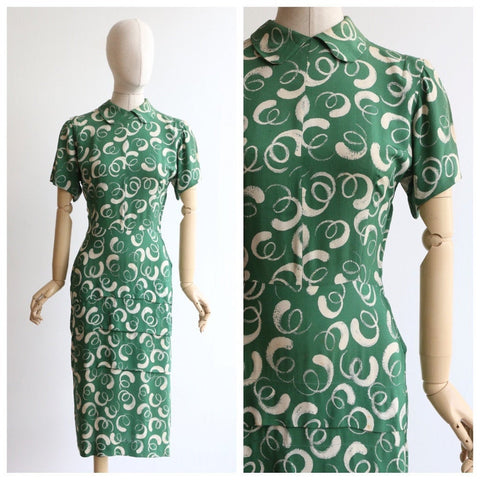 Vintage 1940's dress vintage 1940's green dress original 1940's green silk dress 1940s novelty print abstract swirl 1940s day dress UK 10