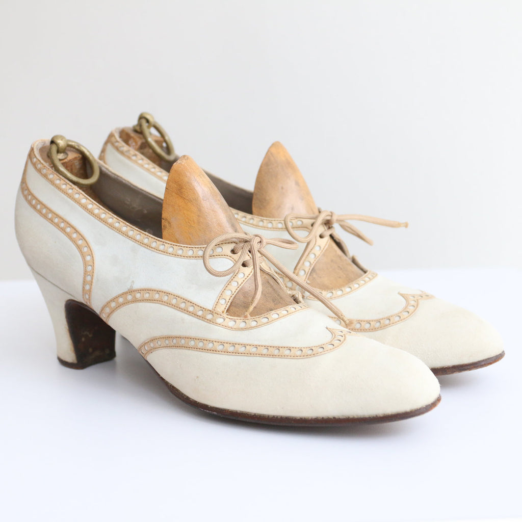 Vintage 1930's brogues vintage 1930's ladies brogues original 1930's cream suede and tan leather brogues heels lace up brogues UK 4.5
