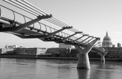 Black'n'White - The Millenium Bridge (#WATT_L_1030)