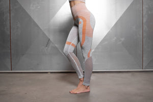 Body Engineers - Aurora Seamless Legging – Light Grey & Baby Orange - Seitlich