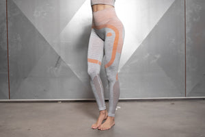 Body Engineers - Aurora Seamless Legging – Light Grey & Baby Orange - Vorderseite