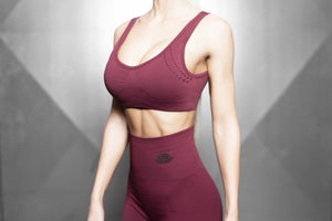 Body Engineers - Curvus Seamless Bra – Burgundy & Black - Vorderseite