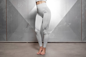 Body Engineers - FREYA Seamless Legging High Waist – Light Grey - Vorderseite