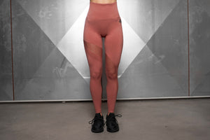 Body Engineers - Motus Seamless Leggings High Waist – Terra Rose - Vorderseite
