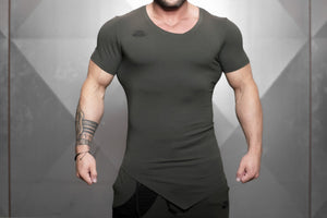 Body Engineers - YUREI X Prometheus 3.0 – Asymmetric V-Neck - Army Green - Vorderseite