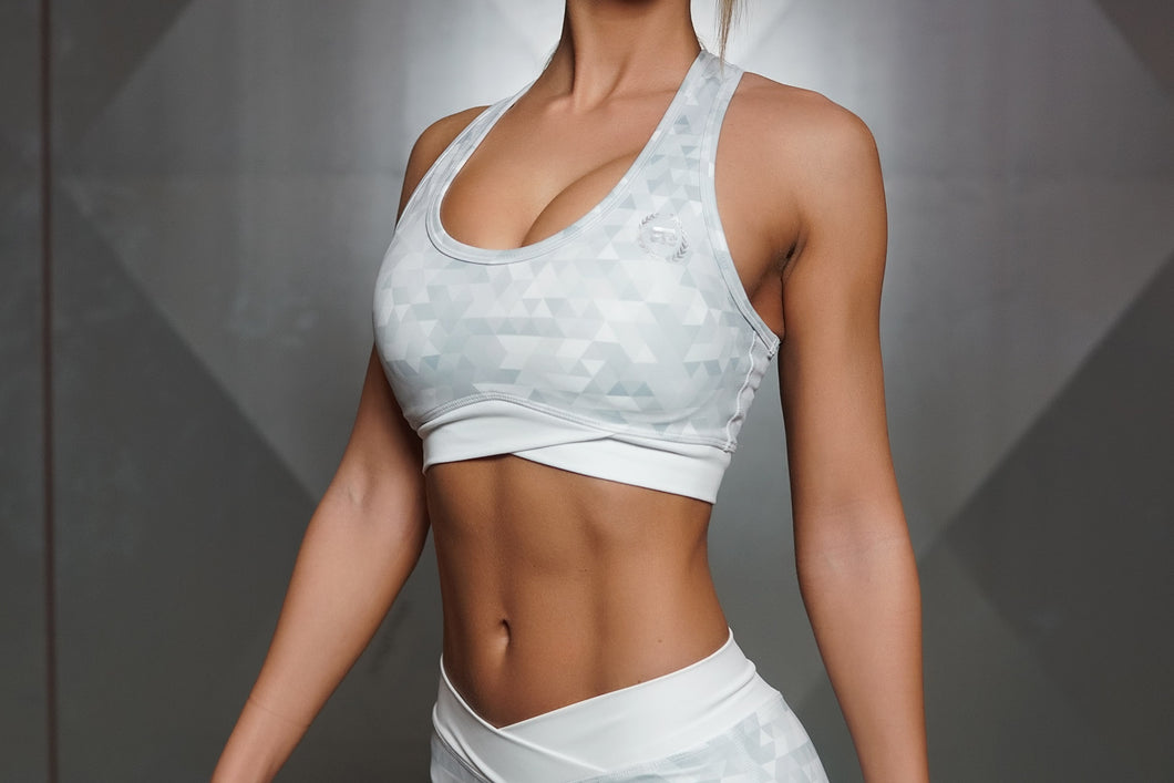 Body Engineers - GEO Sports Bra – Light Grey - Vorderseite