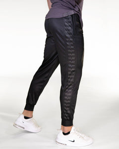 Gavelo - Track Pant Black - Seitlich