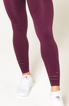 V3 Apparel - Contour Seamless Leggings - Wine Red - Detail 3