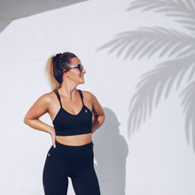 Workout Empire - Core Strappy Bra - Obsidian - Beispiel