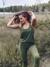 Workout Empire - Regalia Curve Tank 2.0 - Forest - Beispiel