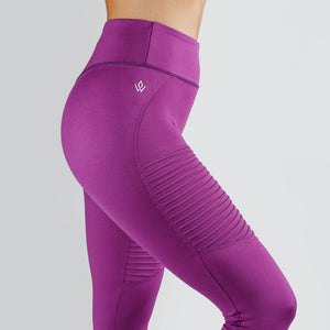 Workout Empire - Regalia Tights - Plum - Seitlich Detail
