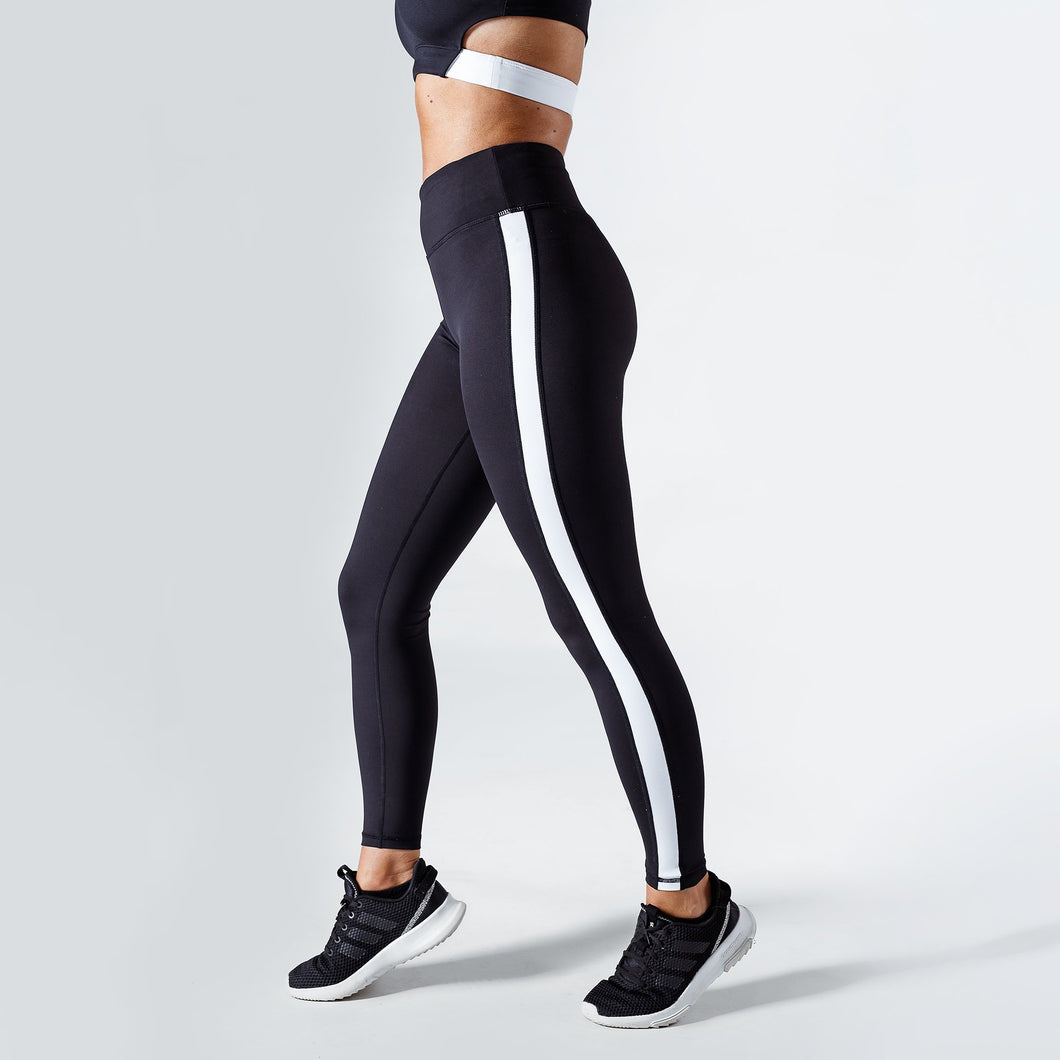 Workout Empire - Strike Leggings - Obsidian - Seitlich