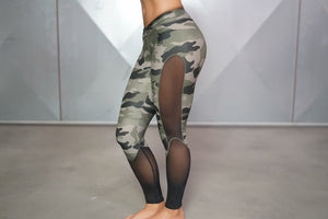Body Engineers - ATHENA Camo Leggings – Olive Green & Black - Seitlich