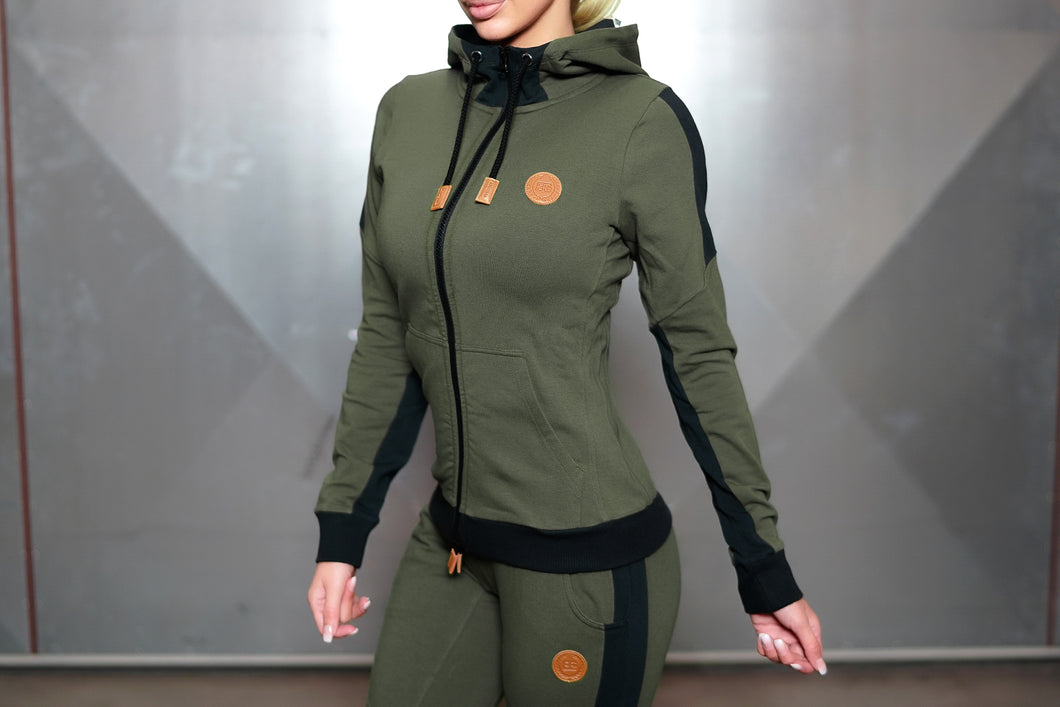 Body Engineers - GAIA Hoodie 2.0 – Army Green - Vorderseite