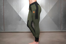 Body Engineers - Gaia Jogger 2.0 – Army Green - Seitlich