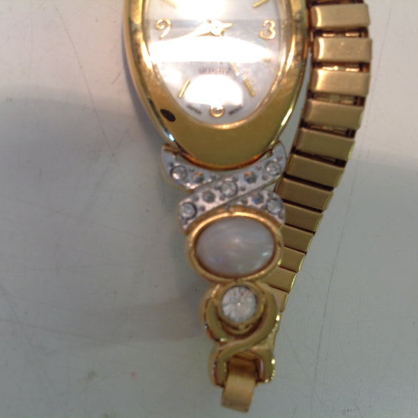 2004 NOS AVON Women's Small Goldtone Pearlesque Accent Cuff to Stretch Watch/Box