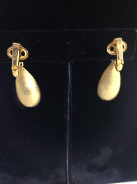 Vintage Trifari Gold Teardrop Clip On Earrings