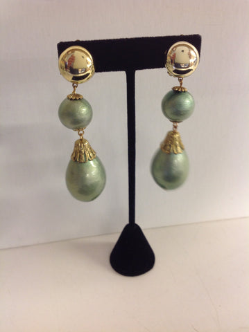 Vintage Mint Green Plastic Double Hanging Pendant Clip On Earrings