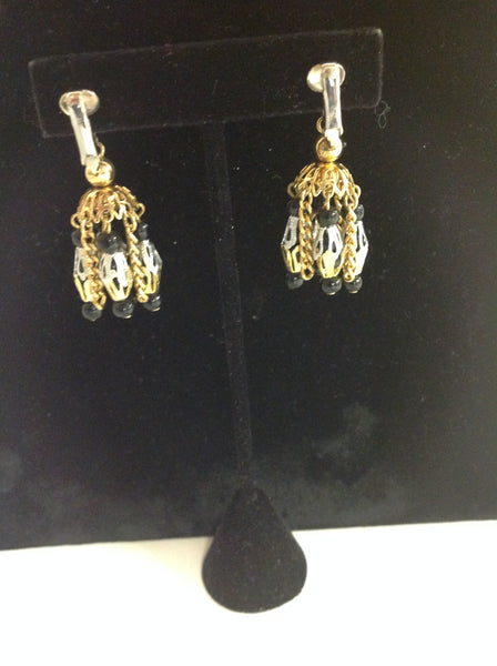 Vintage Goldtone Metal Chain Bead Black Chandelier Style Pendant Clip On Earrings