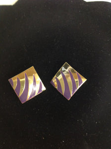 Vintage Pierced Earrings Goldtone Abstract Purple Claw