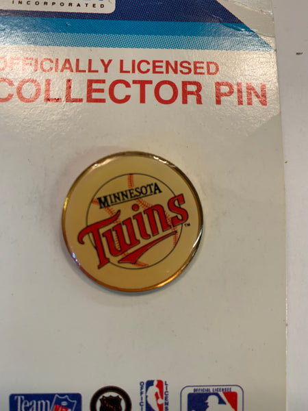 Vintage 1990's Minnesota Twins Lapel Pin NBA Sports Baseball